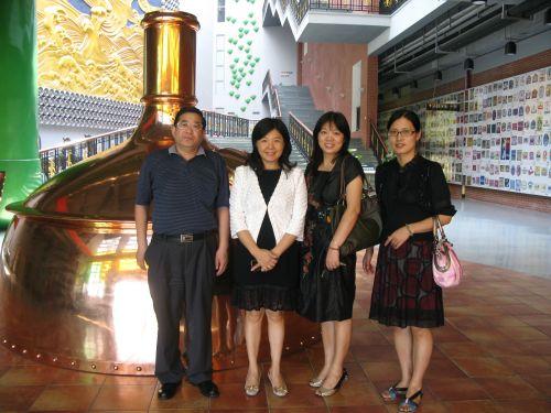 增城市副市长叶鸿(左二)及增城市旅游局局长史寿山图片